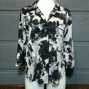 Simply Vera button down floral top S